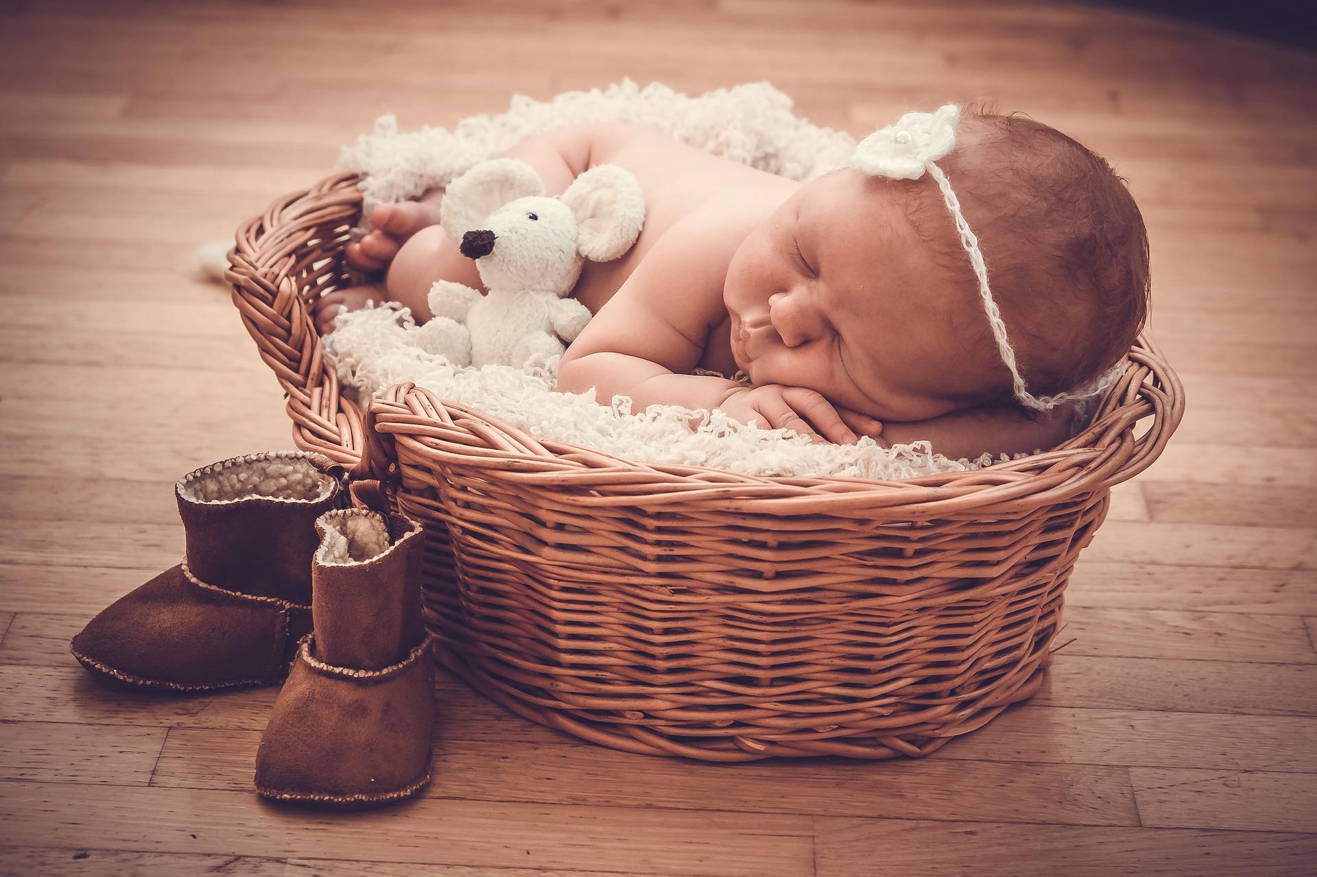 Baby Sleep Music, Relaxing Mozart Lullaby | Music2relax com